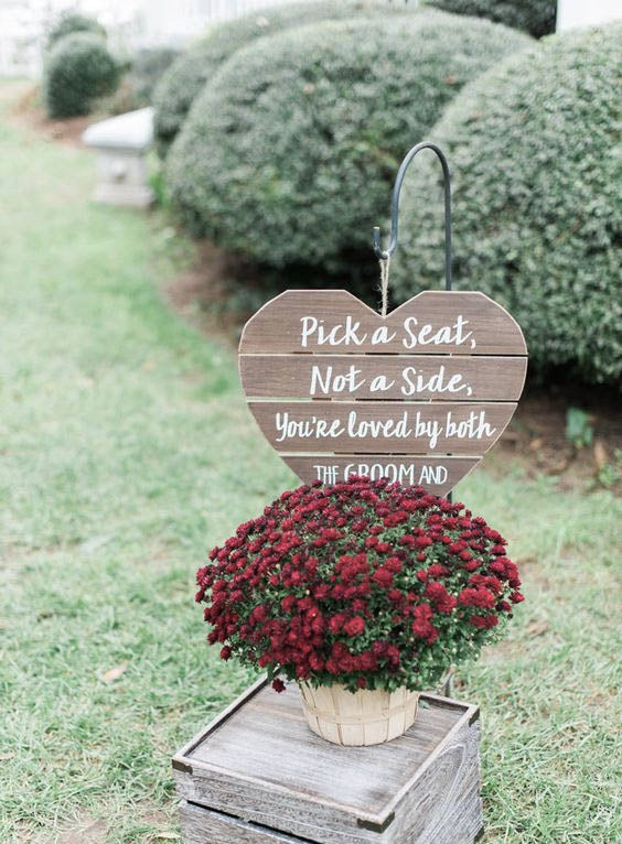 Swoon-worthy DIY Hearts Rustic Wedding Sign Decoration for Your Wedding