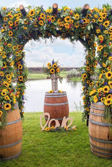Incorporate Sunflower into Late Summer or a Fall Wedding
