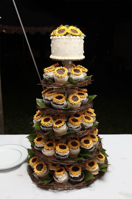 Amazing Rustic Wedding Cupcakes & Stands Ideas to Inspire You