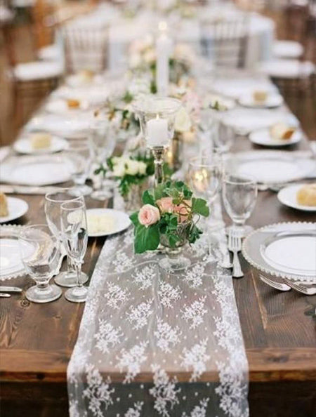 Lace fabric is a whole new modern and fashionable way to decorate wedding table runner