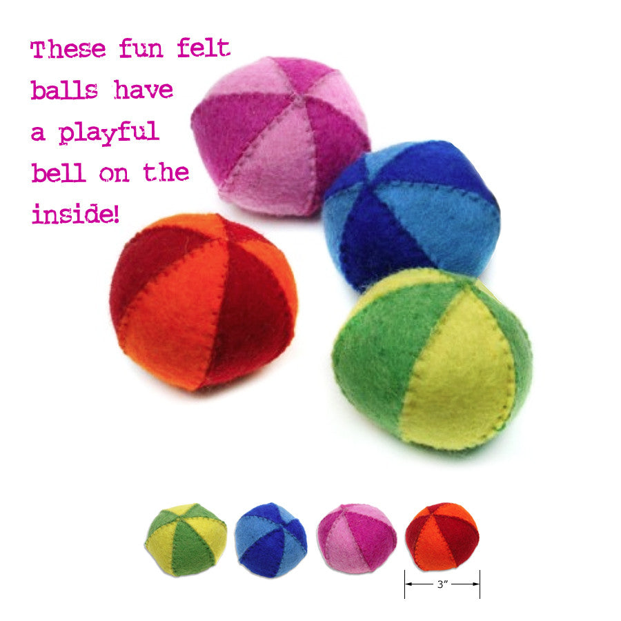 Two Tone Beach Ball Design Felt Bell Ball Small Dog Toy