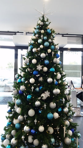 Decorated Christmas tree hire Melbourne. Christmas trees delivered.