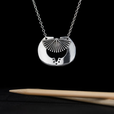 Porterness Knitting Needle Necklace