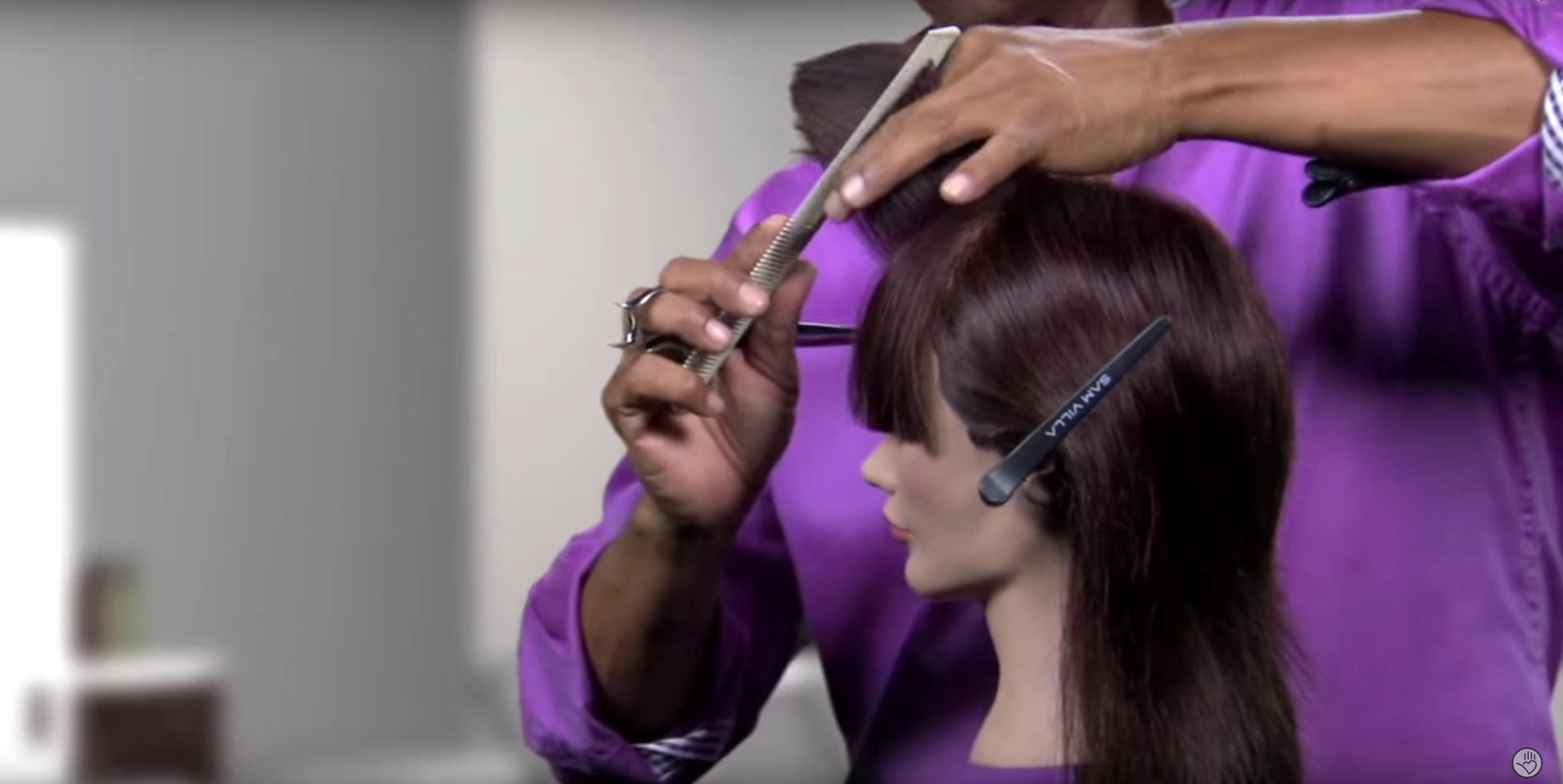 Remove the ends of a fringe and create a perfect bevel with this cutting technique.