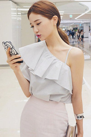 CHUU One Shoulder Ruffle Blouse