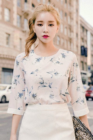 CHUU Floral Scent Blouse