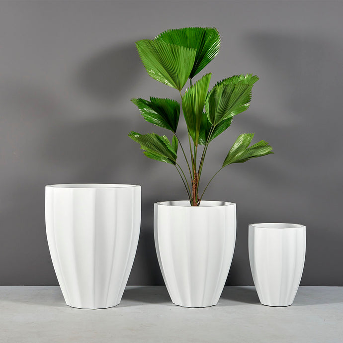 Jay Scotts Alicante Ribbed Round Planter: 15