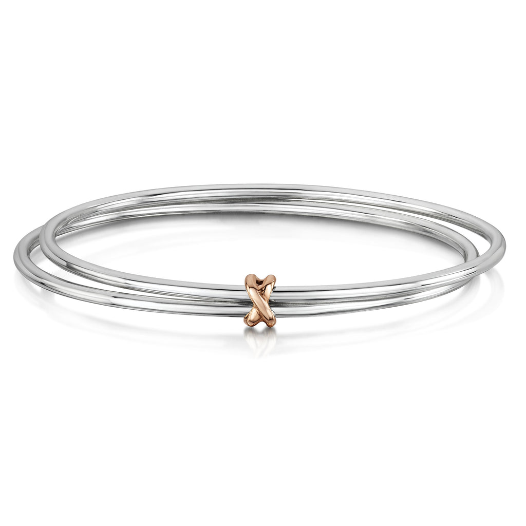 Double Bangle with interlocking Kiss