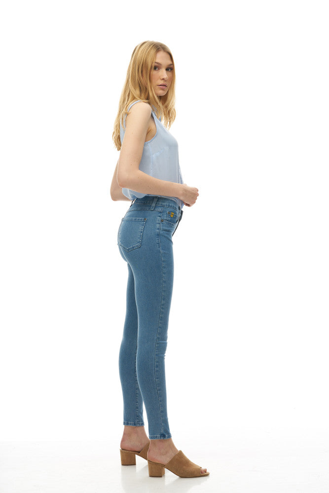 "Yoga Jeans RACHEL 30"" Inseam - Beach House"