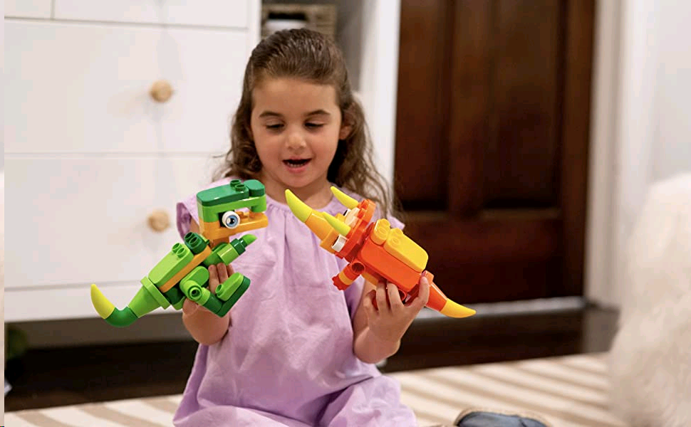 Botzees Junior introduces children to the fun world of dinosaurs through construction and building!