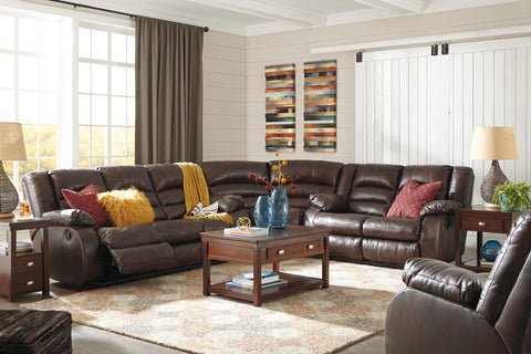 Levelland Reclining Sectional - Cafe