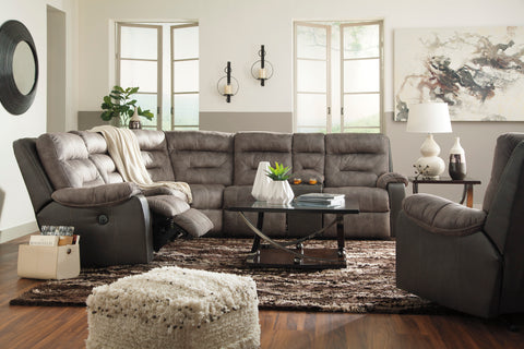Hacklesbury Reclining Sectional - Brownstone