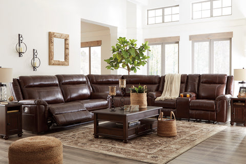 Wyline Reclining Sectional w/Console - Coffee