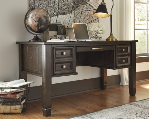 Townser Executive Desk