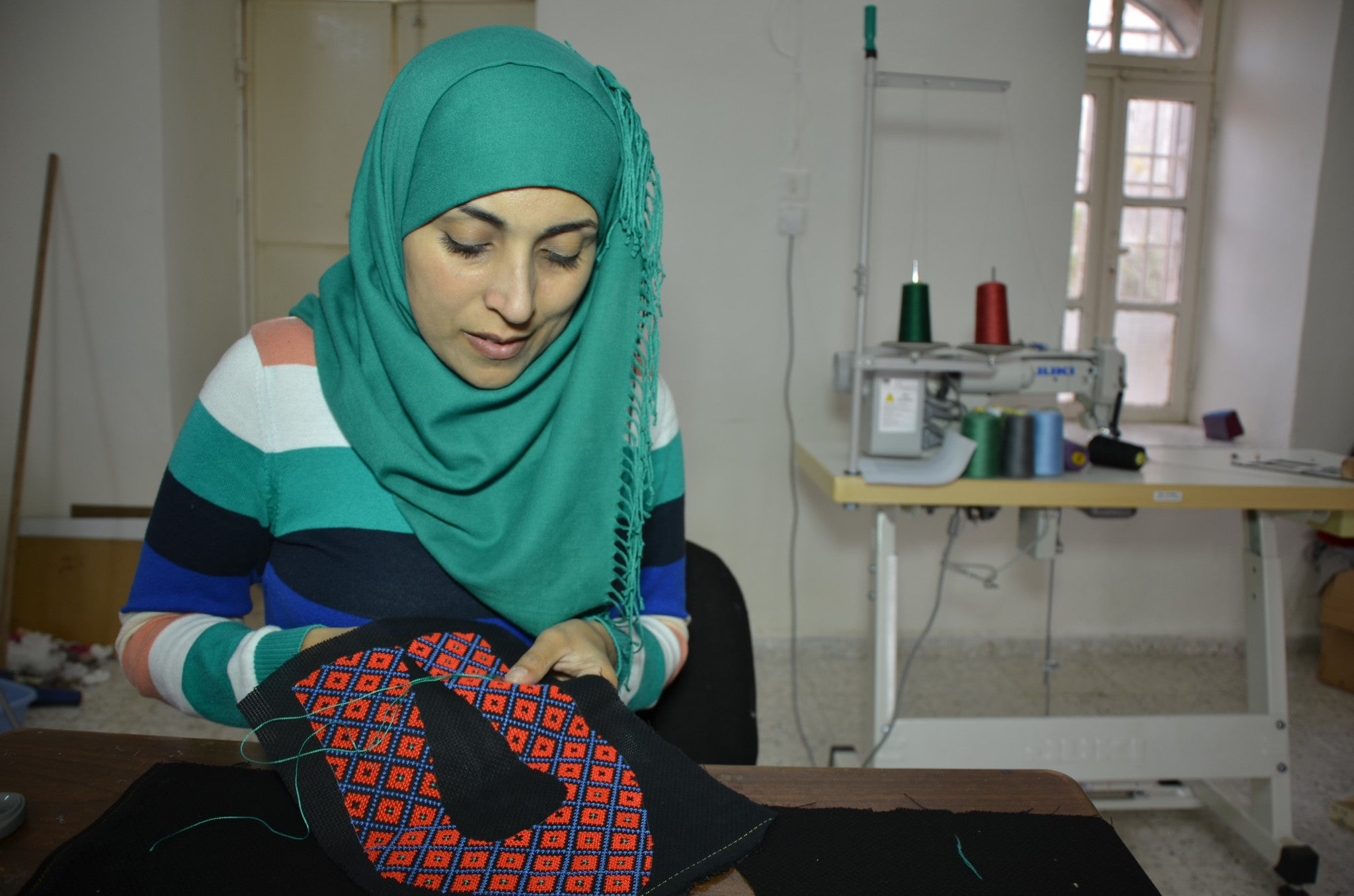 Hand Embroidery from the West Bank: Our new partner Darzah