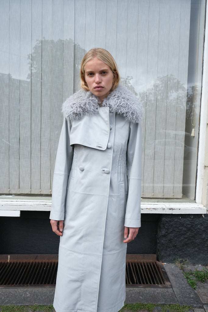 LIV SHEARLING COAT — Grey