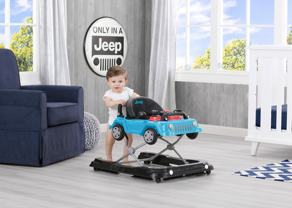 Jeep® Classic Wrangler 3-in-1 Grow With Me Walker