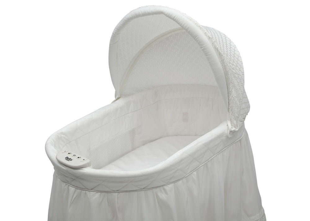 Delta Children White Eyelet (132) Deluxe Sweet Beginnings Bassinet, Close Up View e3e