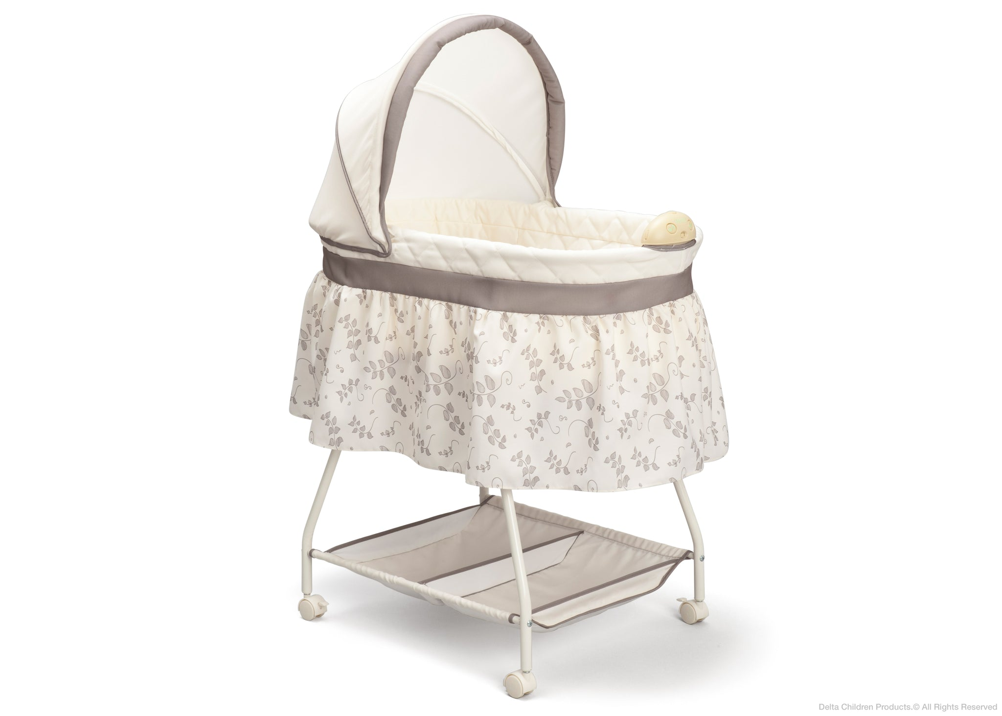 Delta Children Falling Leaves (138) Deluxe Sweet Beginnings Bassinet (25021) Badge Silo