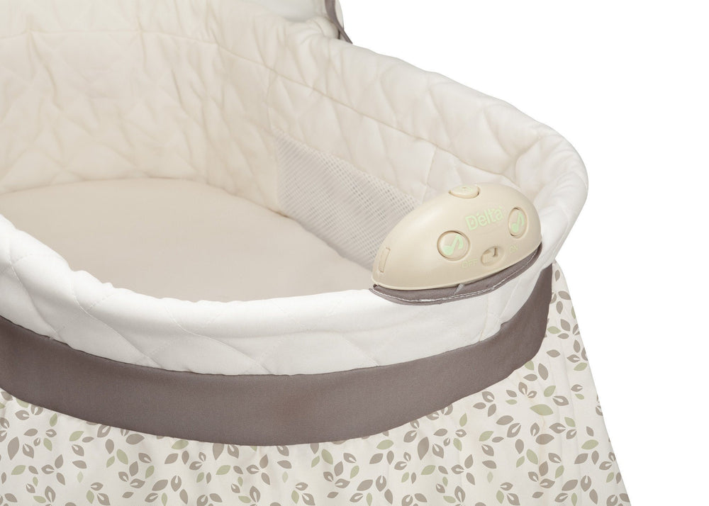 Delta Children Olive Leaf (294) Deluxe Sweet Beginnings Bassinet, Detail c2c