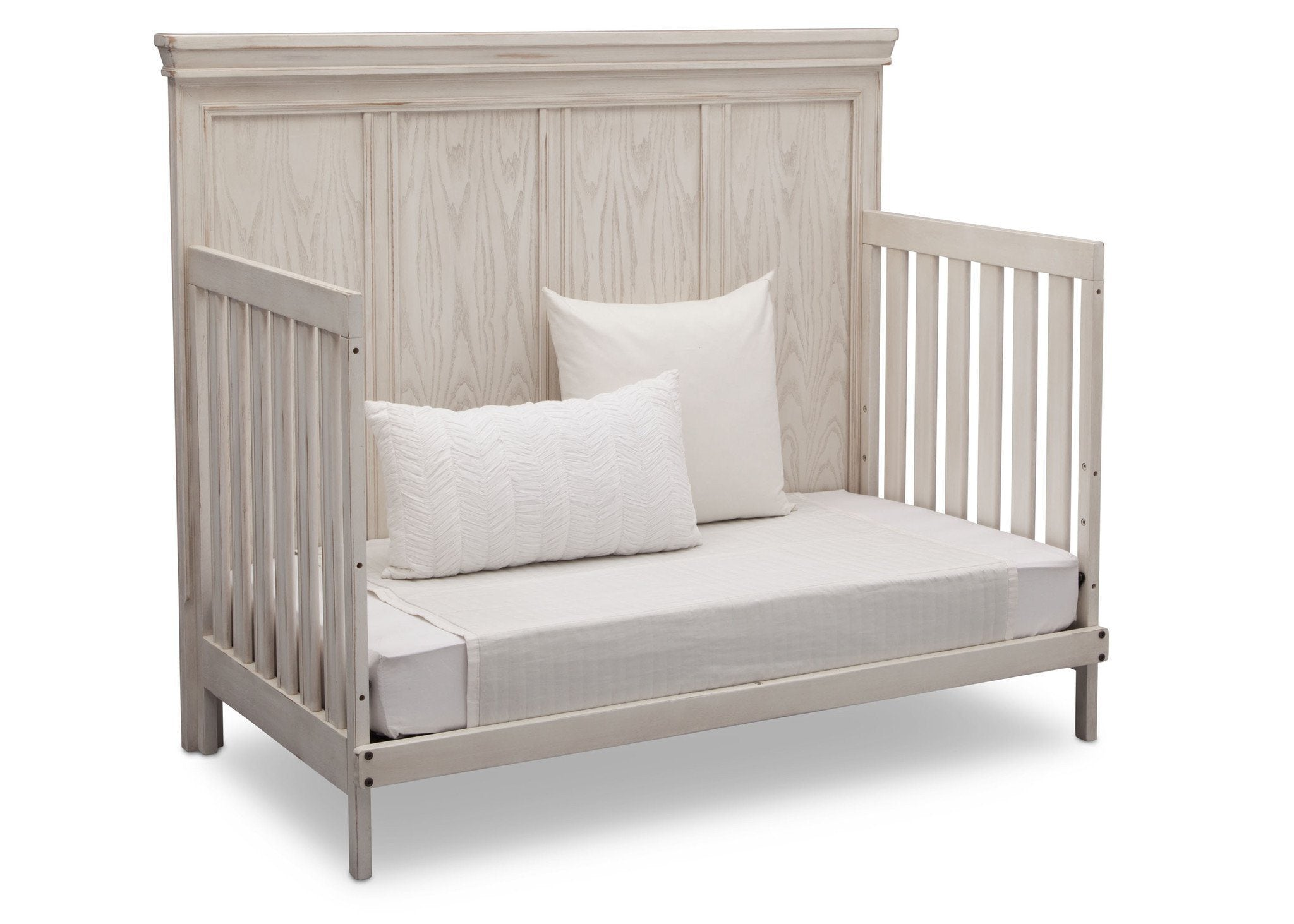 Simmons Kids Antique White (122) Ravello Crib 'N' More, Angled Conversion to DayBed View, b5b