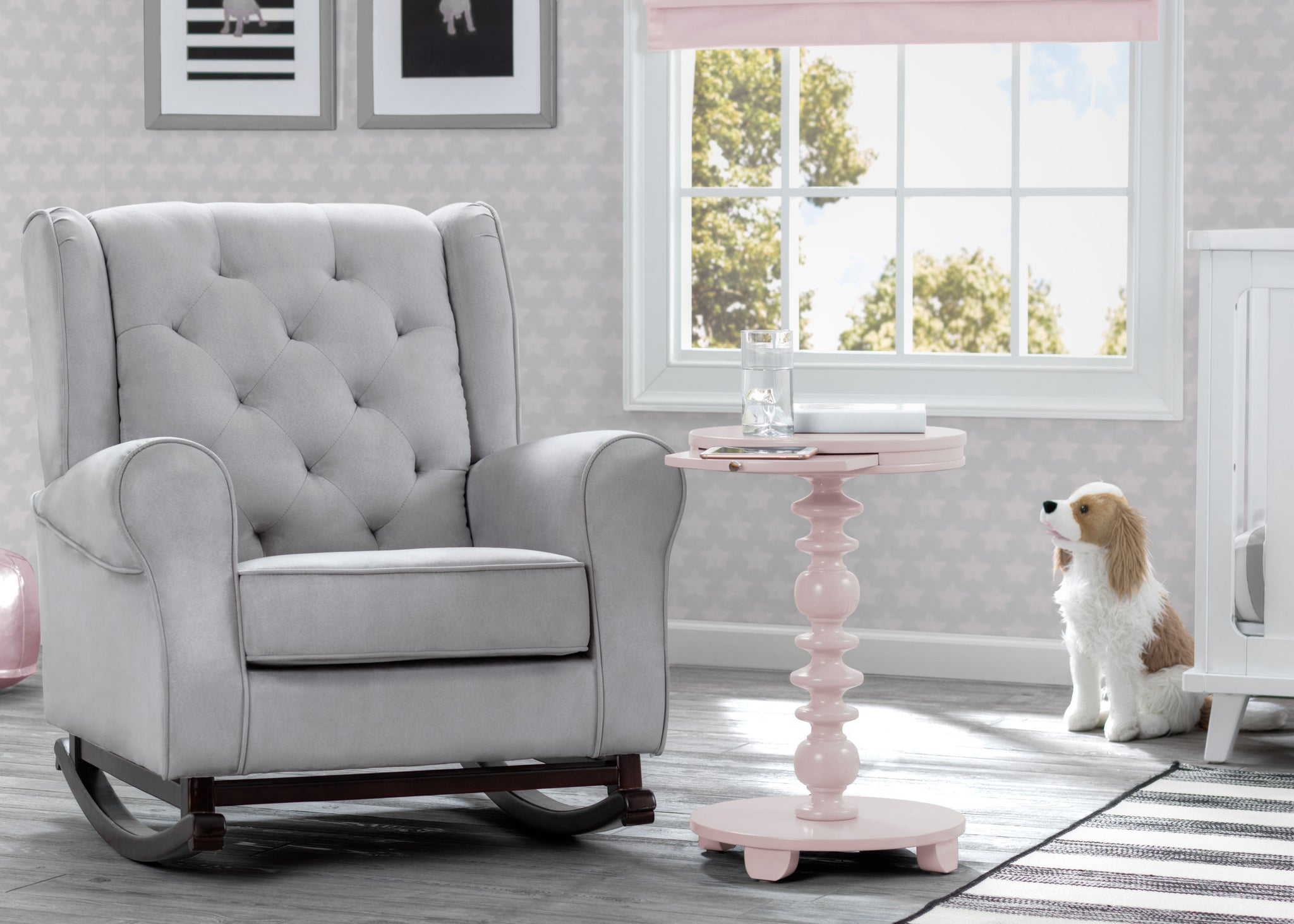 Delta Children Lotus Pink (936) Emery End/Side Table (531460), Nursery Shot, e1e