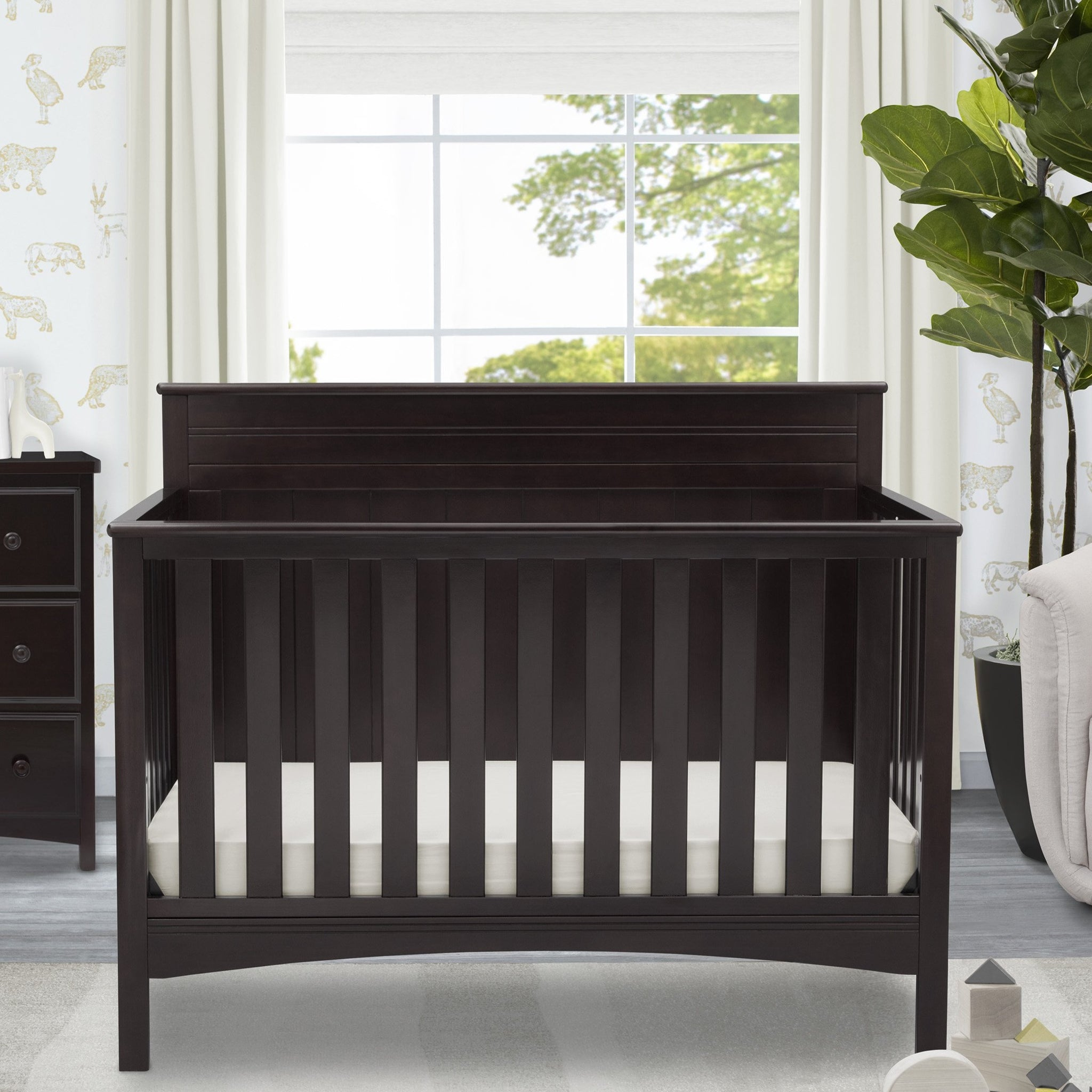 Fancy 4-in-1 Crib