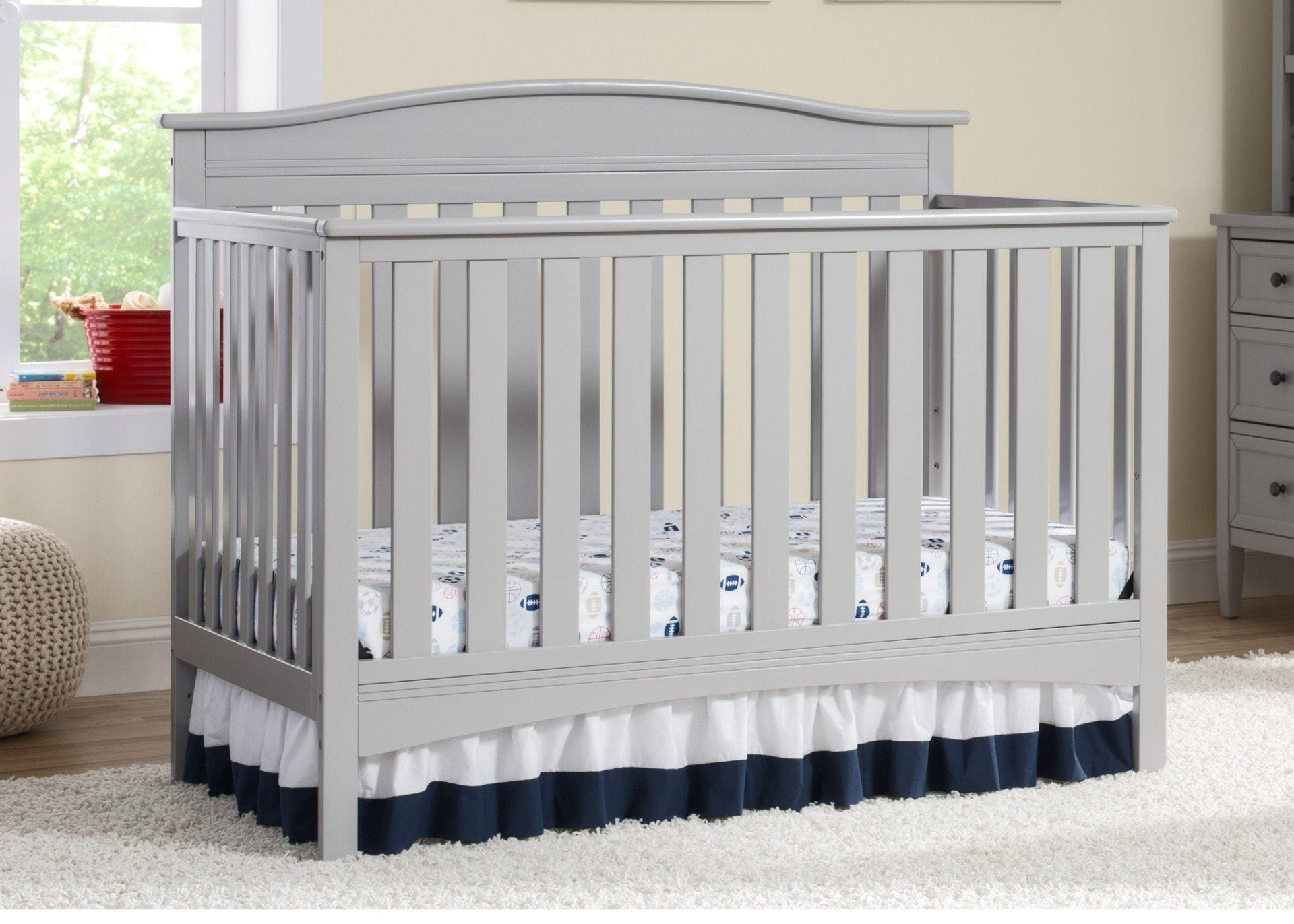 Delta Children Grey (026) Bakerton 4-in-1 Crib Room View a1a