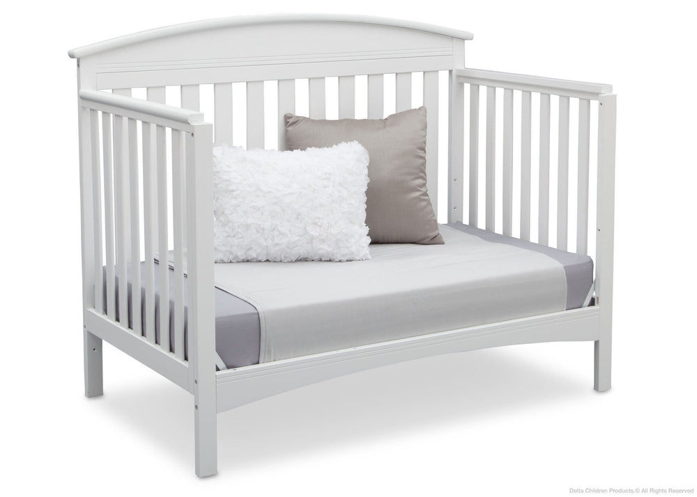 Delta Children Bianca (130) Abby 4-in-1 Crib Daybed Conversion Side View b4b