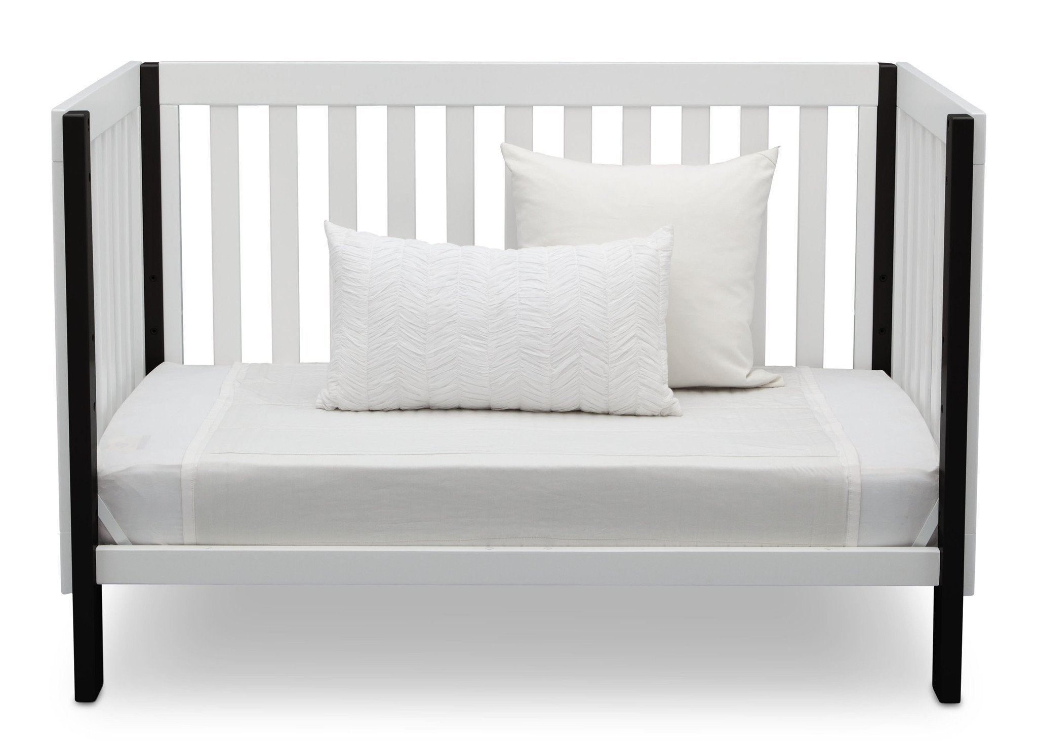 Delta Children Bianca with Ebony (149) Bellevue 3-in-1 Crib, Daybed Front View
