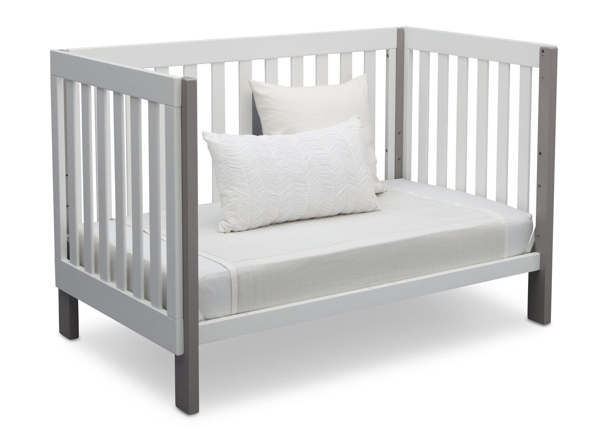 Delta Children Bianca with Grey (166) Bellevue 3-in-1 Crib, Daybed Conversion b6b