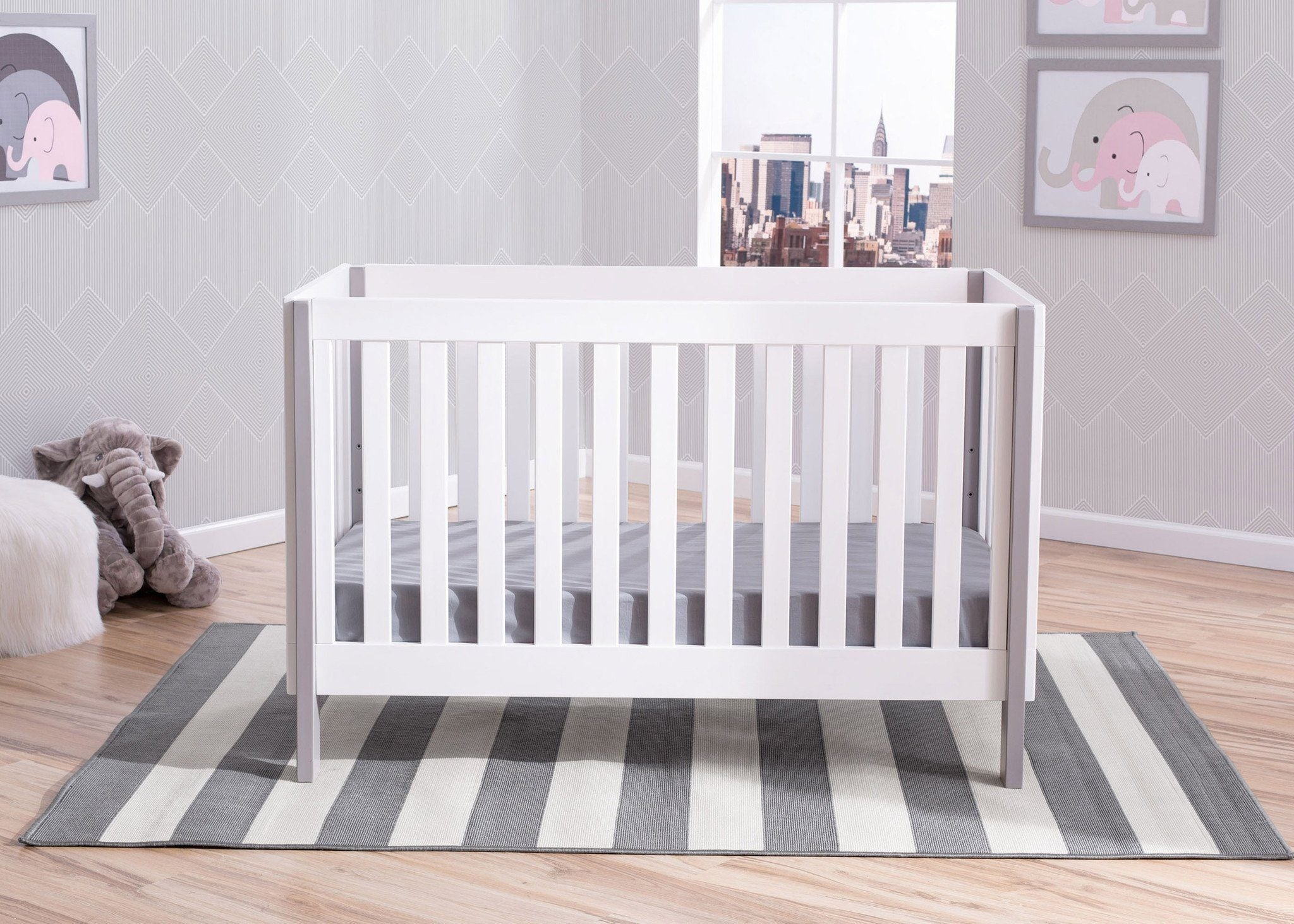 Delta Children Bianca with Grey (166) Bellevue 3-in-1 Crib, Hangtag b2b
