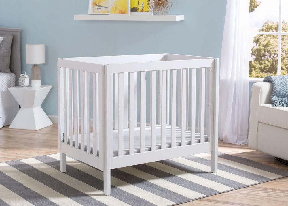 Delta Children White (130) Bennington Elite Mini Crib with Mattress, Room View, a1a
