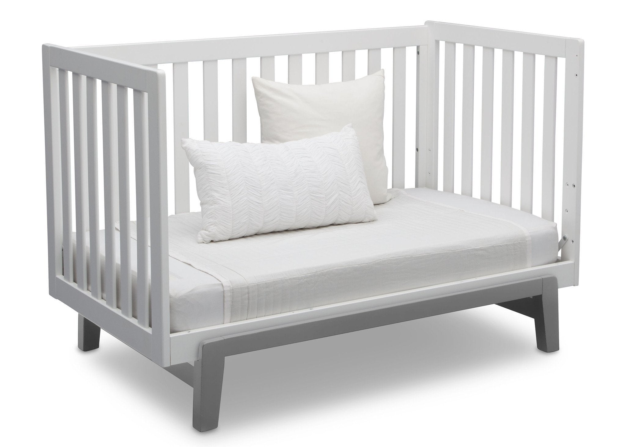 Delta Children Bianca White with Grey (166) Aster 3-in-1 Crib, Daybed Conversion b8b