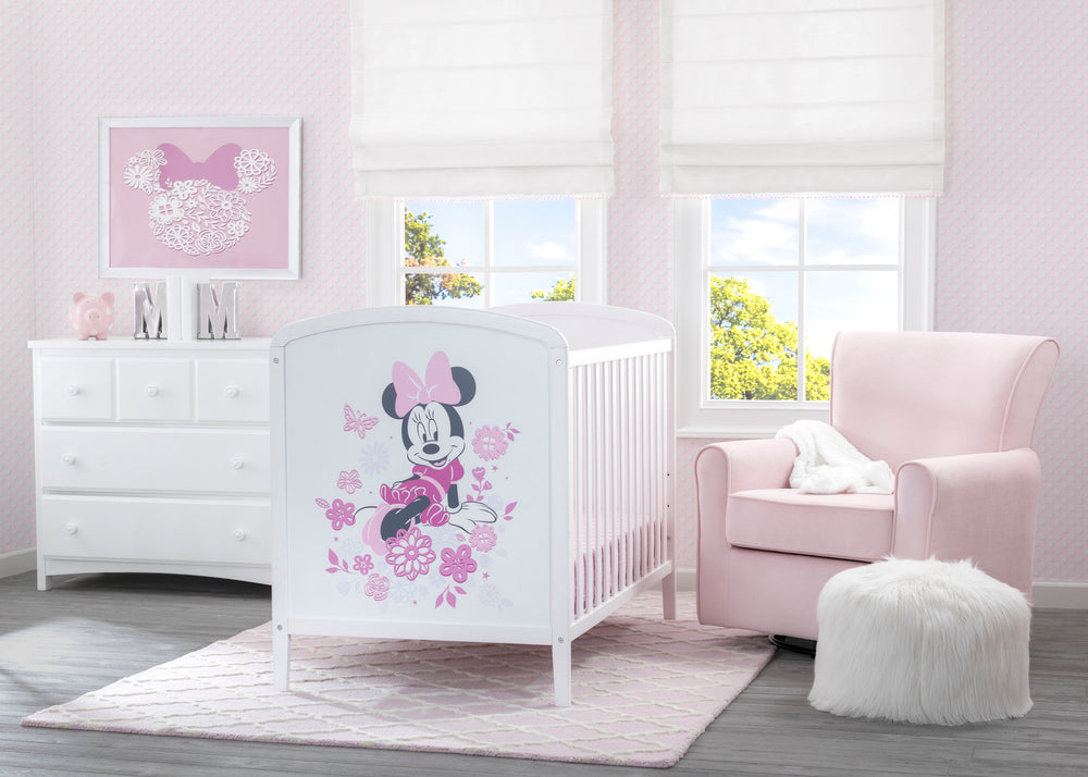 Delta Children Bianca White (1302) Disney Minnie Mouse 3-in-1 Convertible Baby Crib Room Shot View