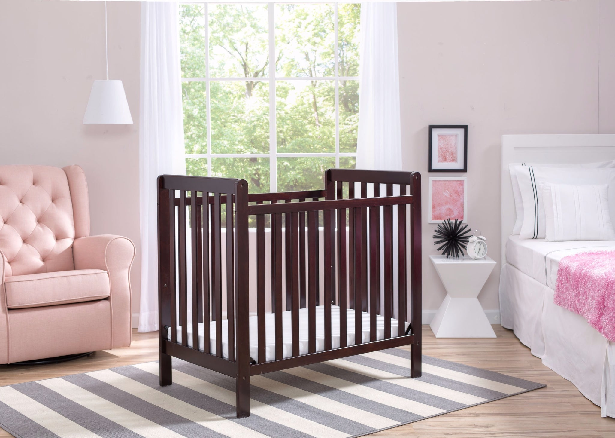 Classic Mini Crib with Mattress Dark Chocolate (207)