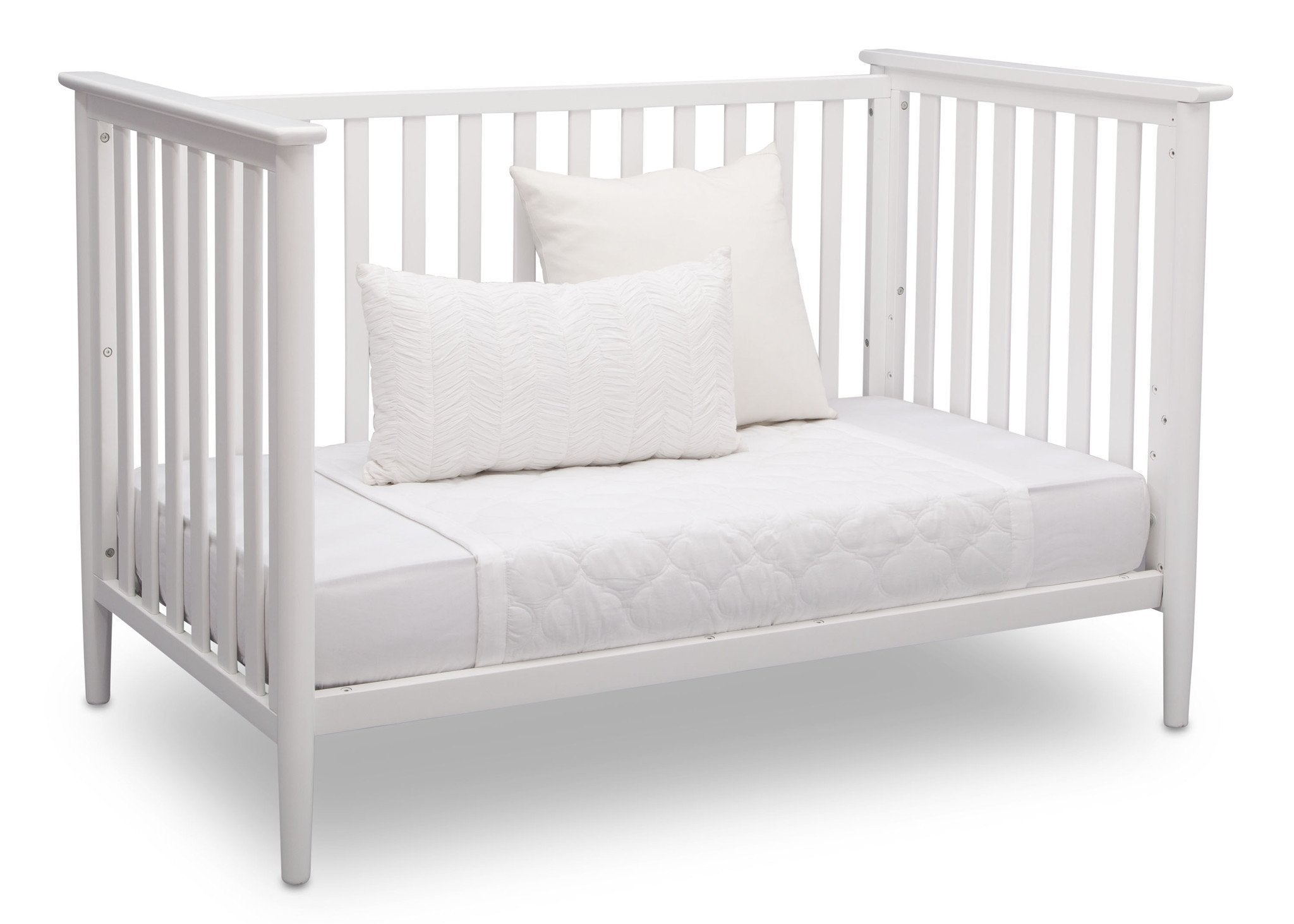 Delta Children Bianca White (130) Greyson 3-in-1 Crib, Angled Conversion to Daybed, a4a