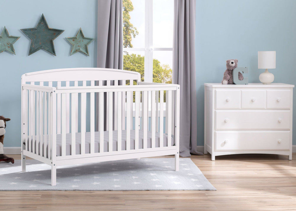 Delta Children Bianca (130) Brayden 4-in-1 Crib, Room Shot b0b