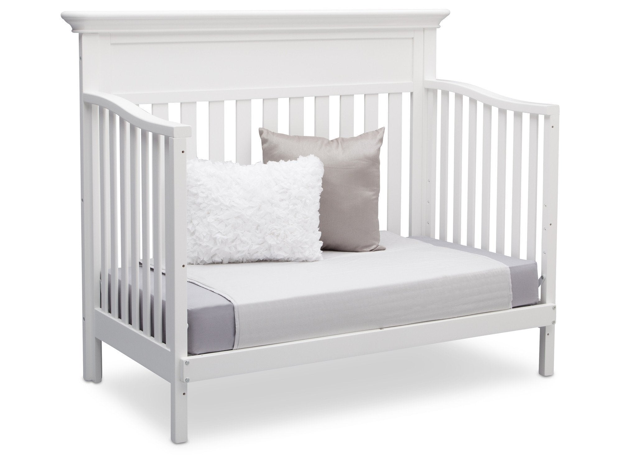 Serta Bianca (130) Fernwood 4-in-1 Crib, Side View with Day Bed Conversion a6a
