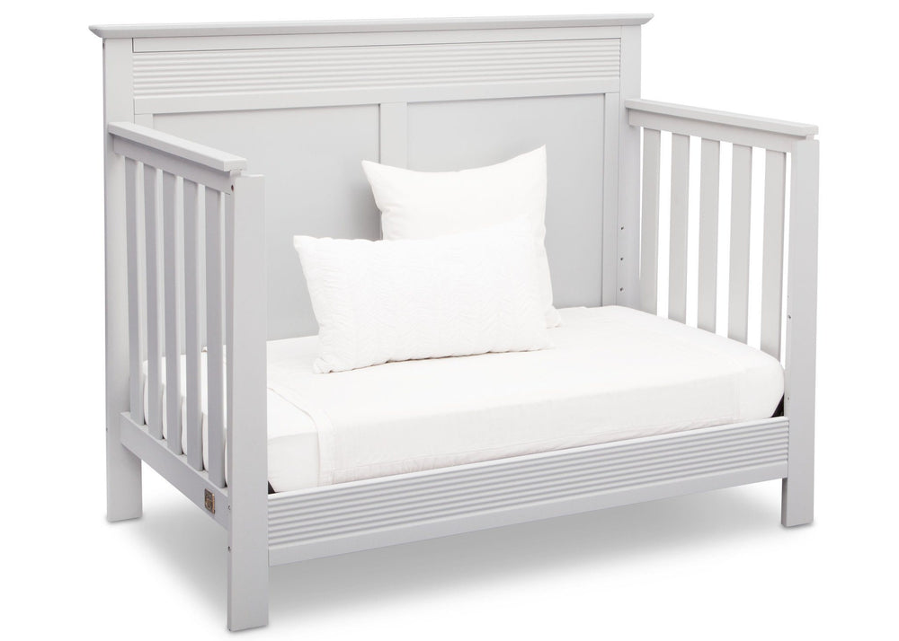 Serta Bianca (130) Fall River 4-in-1 Convertible Crib, Right Daybed View b4b