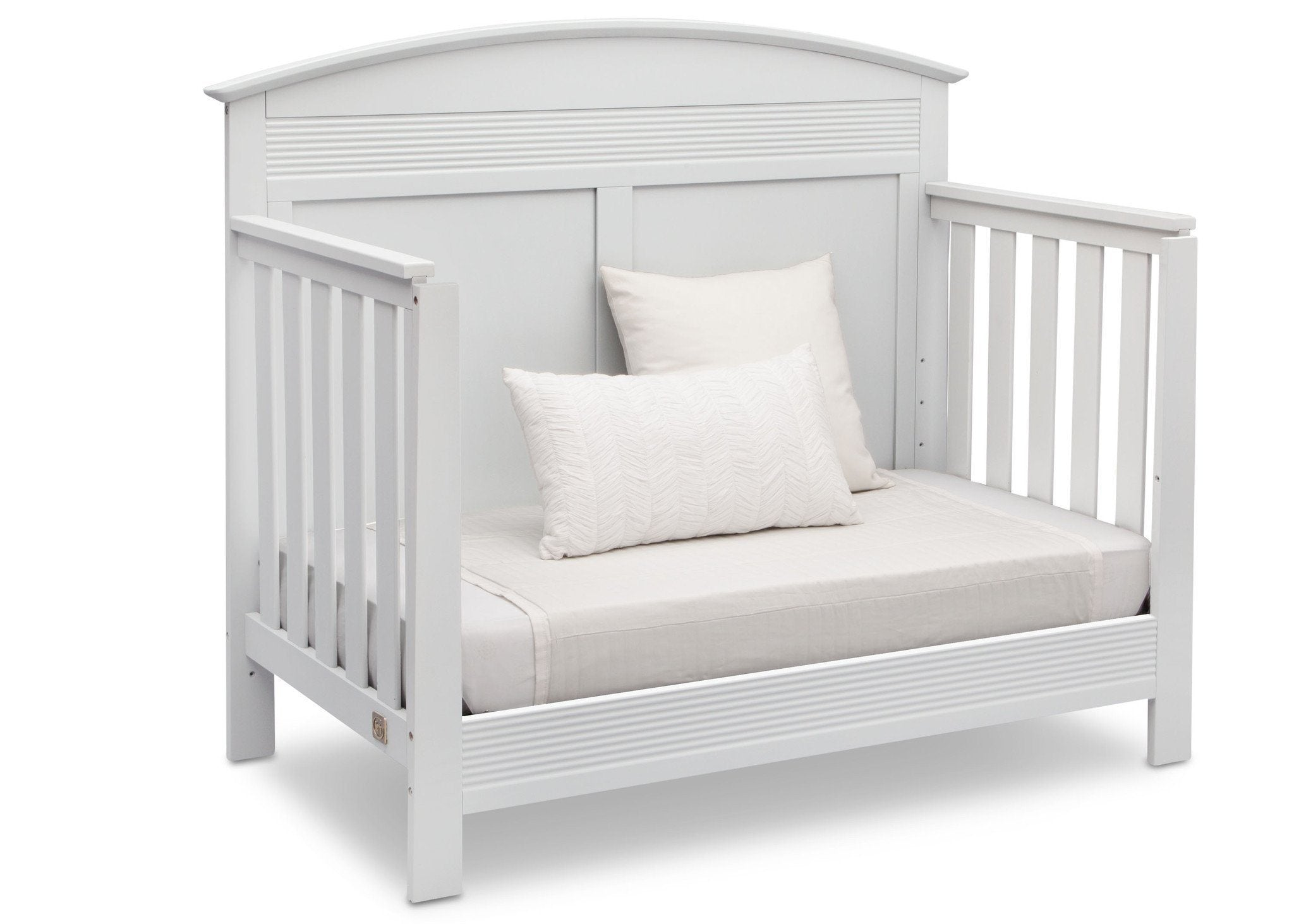 Serta Bianca White (130) Ashland 4-in-1 Convertible Crib, Right Day Bed View b4b