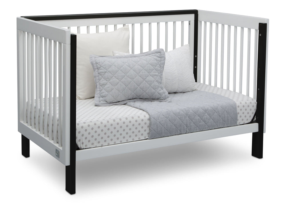 Serta Fremont 3-in-1 Convertible Crib Bianca with Ebony (149) Daybed b5b
