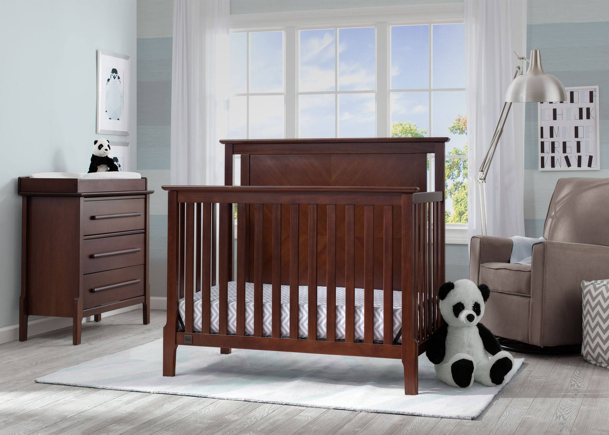 Serta Mid-Century Modern Lifestyle 4-in-1 Crib Walnut Espresso (1324) Room View c1c