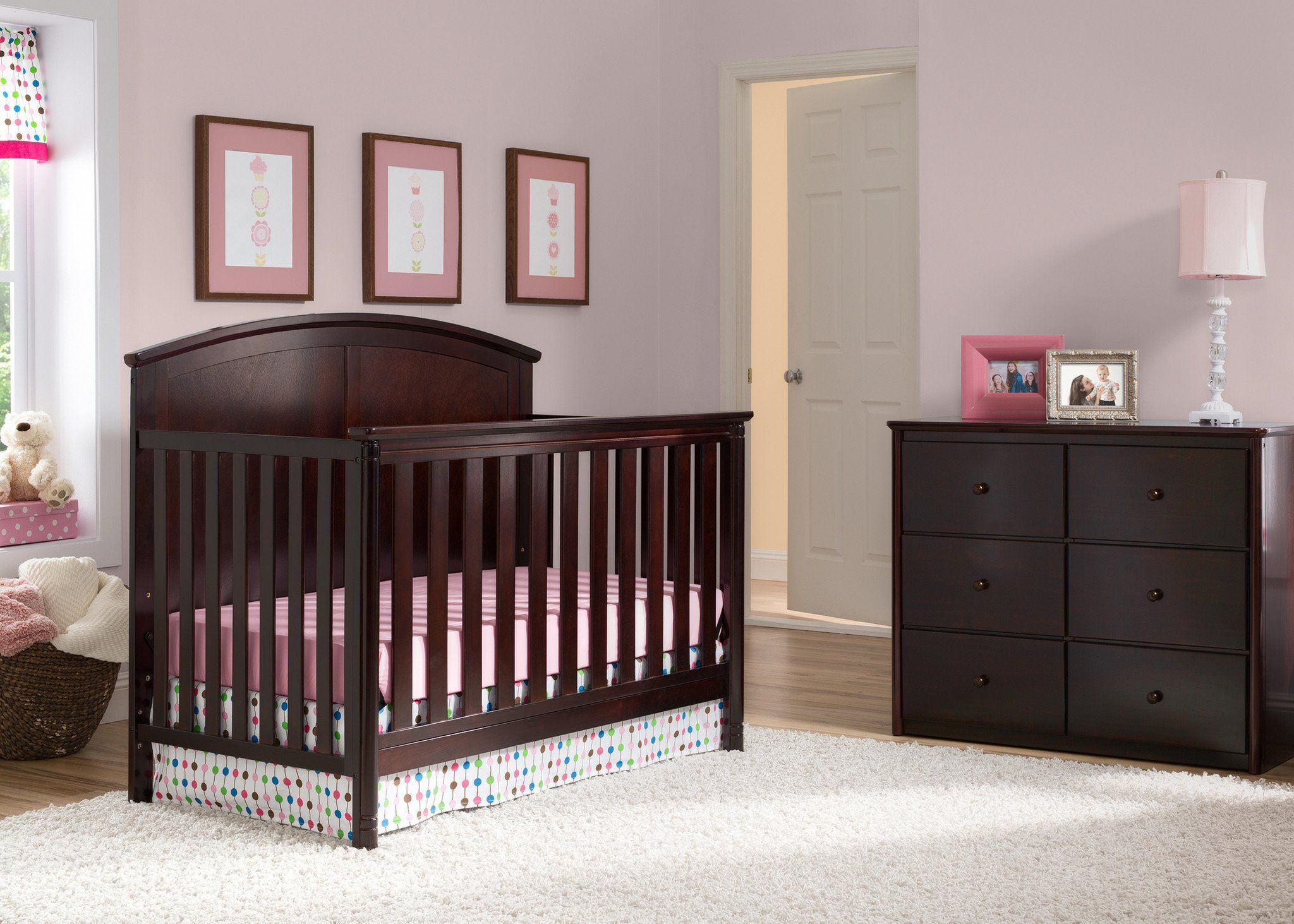 Delta Children Dark Chocolate (207) Somerset 4-in-1 Crib in Setting 2 b1b