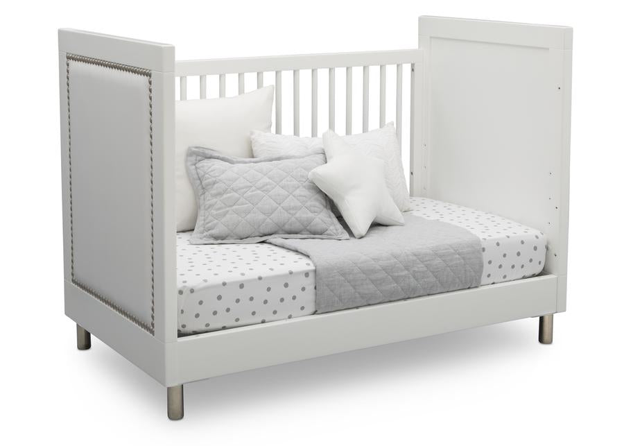 Delta Children Bianca White (1321) Avery 3-in-1 Convertible Crib (708130), Right Day Bed Silo View