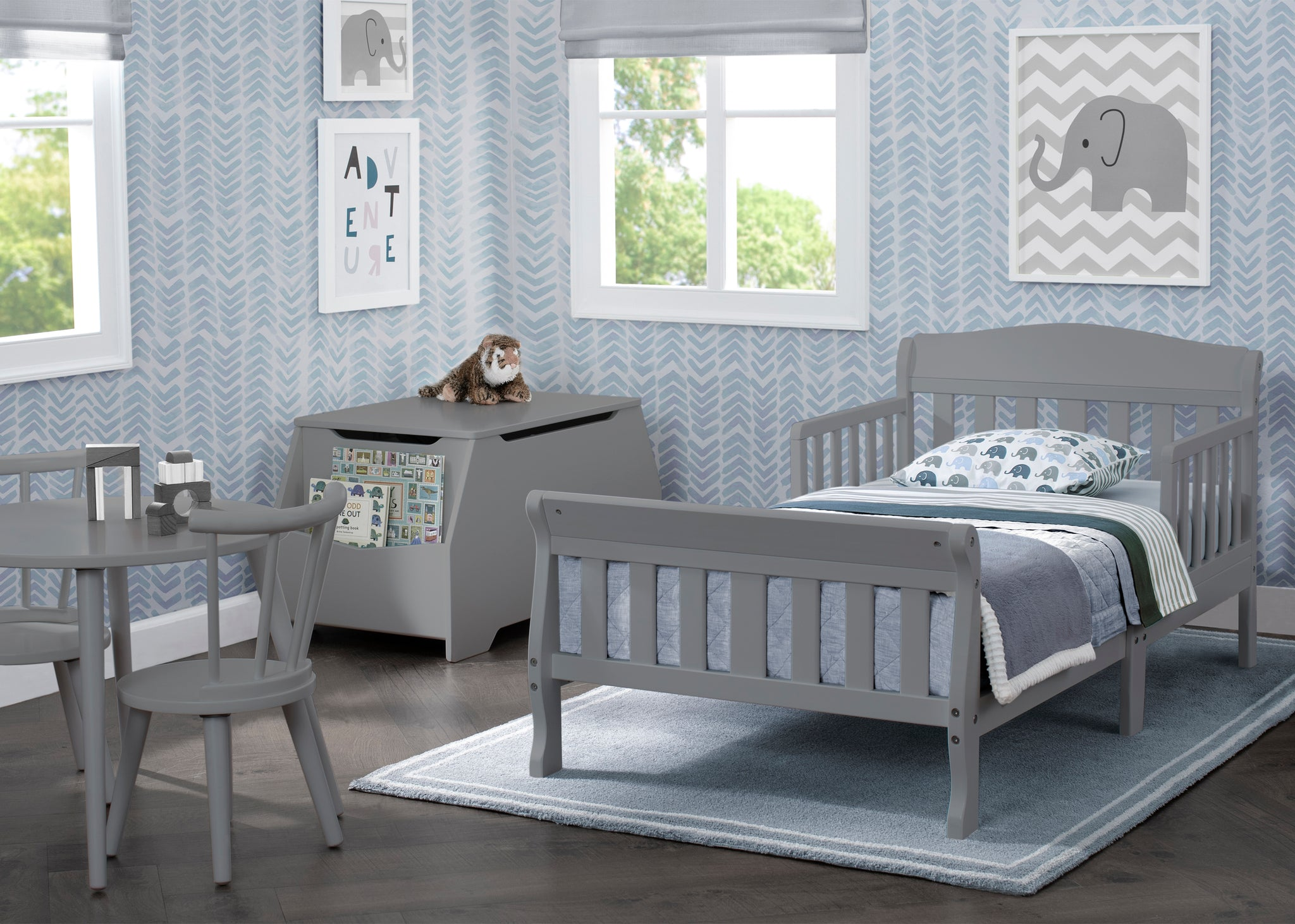Delta Children Canton Toddler Bed Grey (026) roomshot a1a