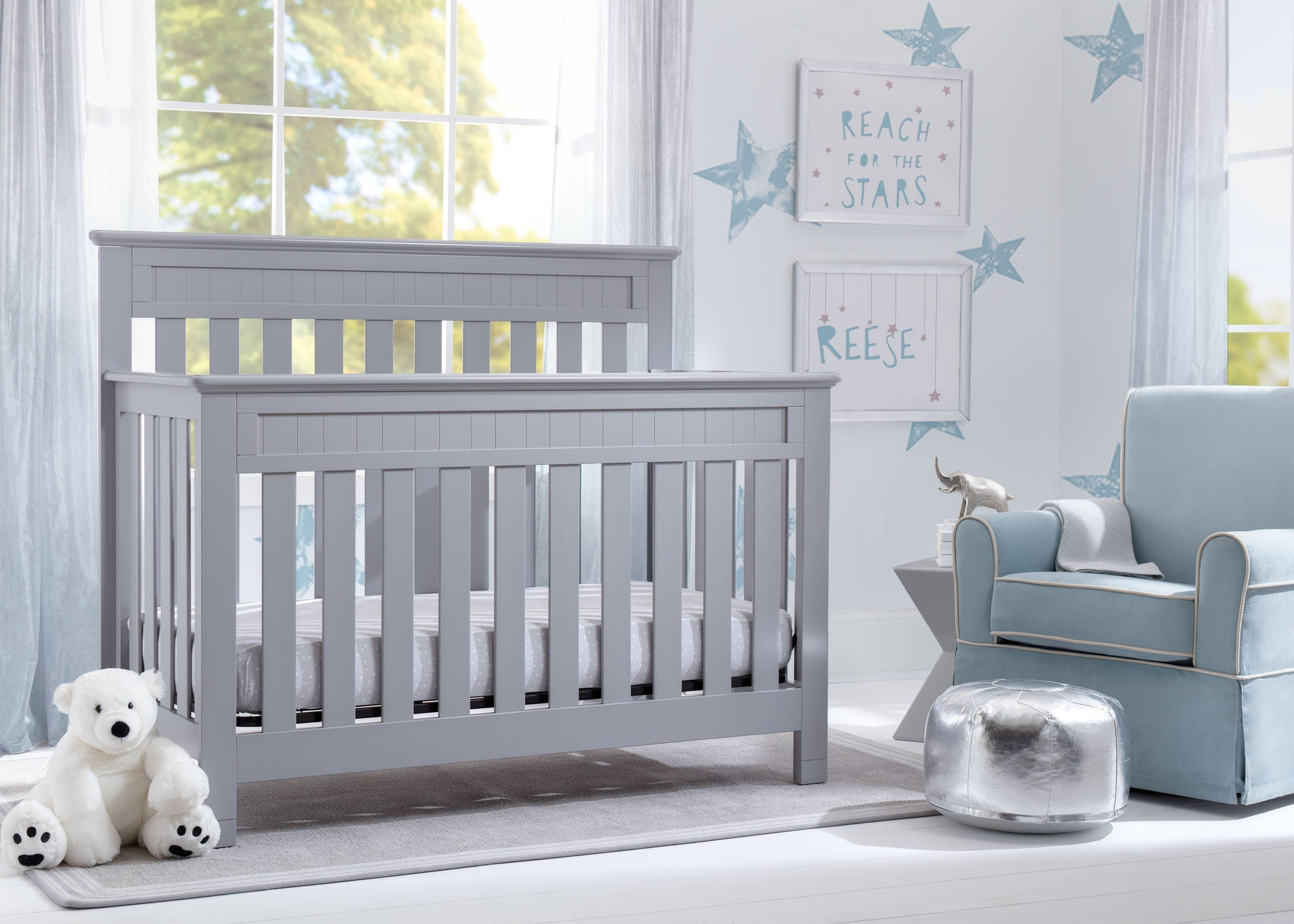 Delta Children Grey (026) Chalet 4-in-1 Crib, room view, d1d