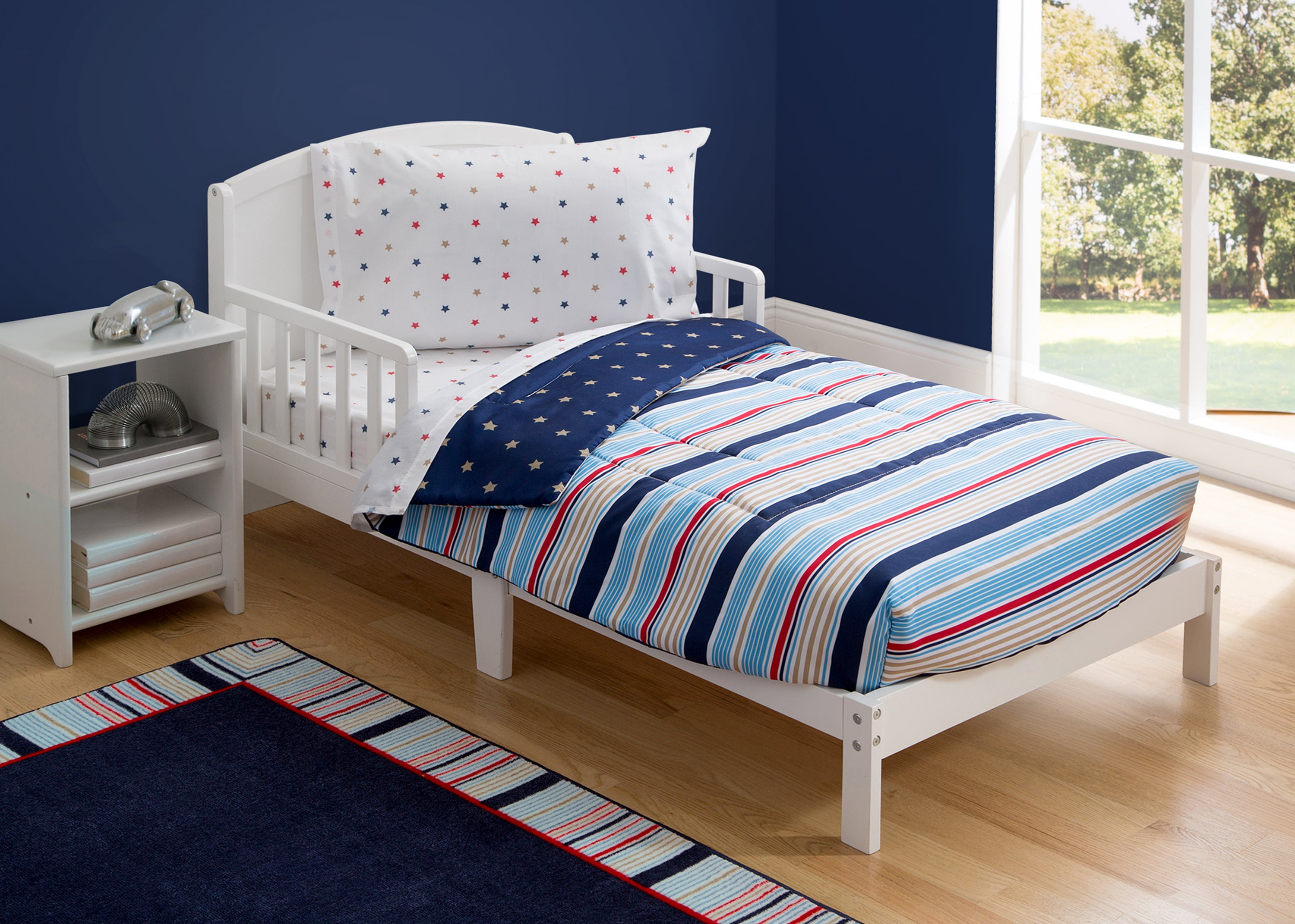boy 4 piece toddler bedding set stars and stripes 2200 a1a - Toddler Bed Sets