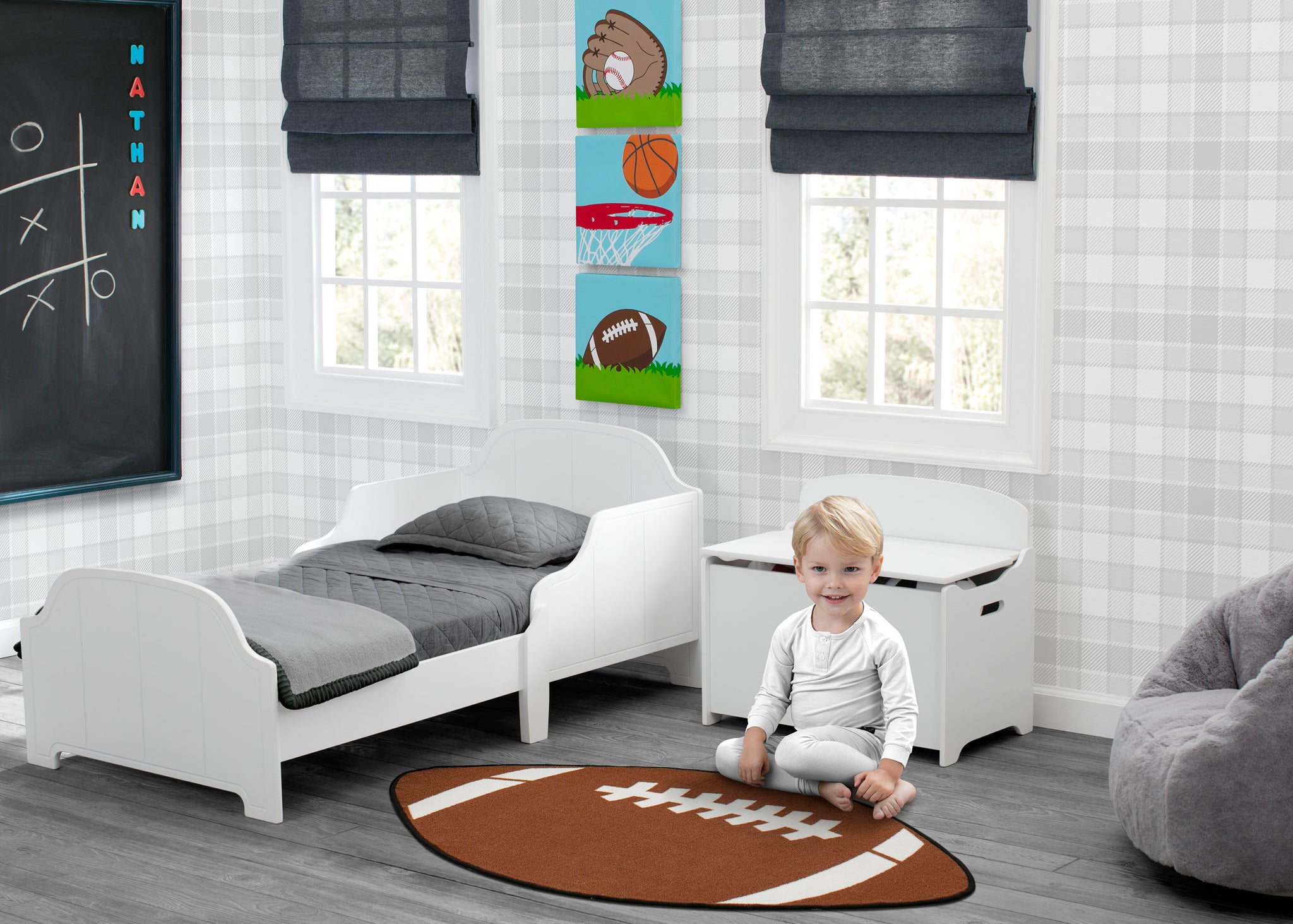Delta Children Sports (3204) 3-Piece Canvas Wall Art Set for Boys, Room View 2