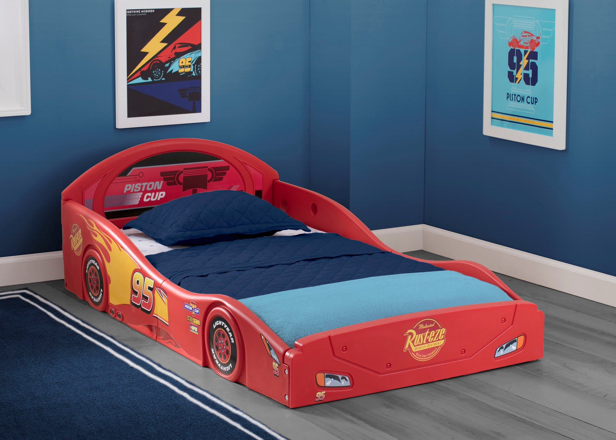 Cars Lightning McQueen Deluxe Toddler Bed with Attached Guardrails